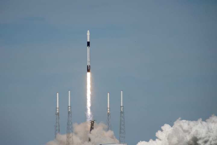 SpaceX's Falcon 9 rocket CRS-16 lifts off from Space Launch Complex 40. U.S. Air Force photo by Airman 1st Class Zoe Thacker