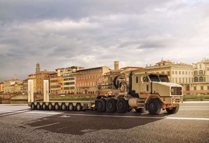 The HET ONS semitrailer delivers increased payload capability while gaining European road permissions.