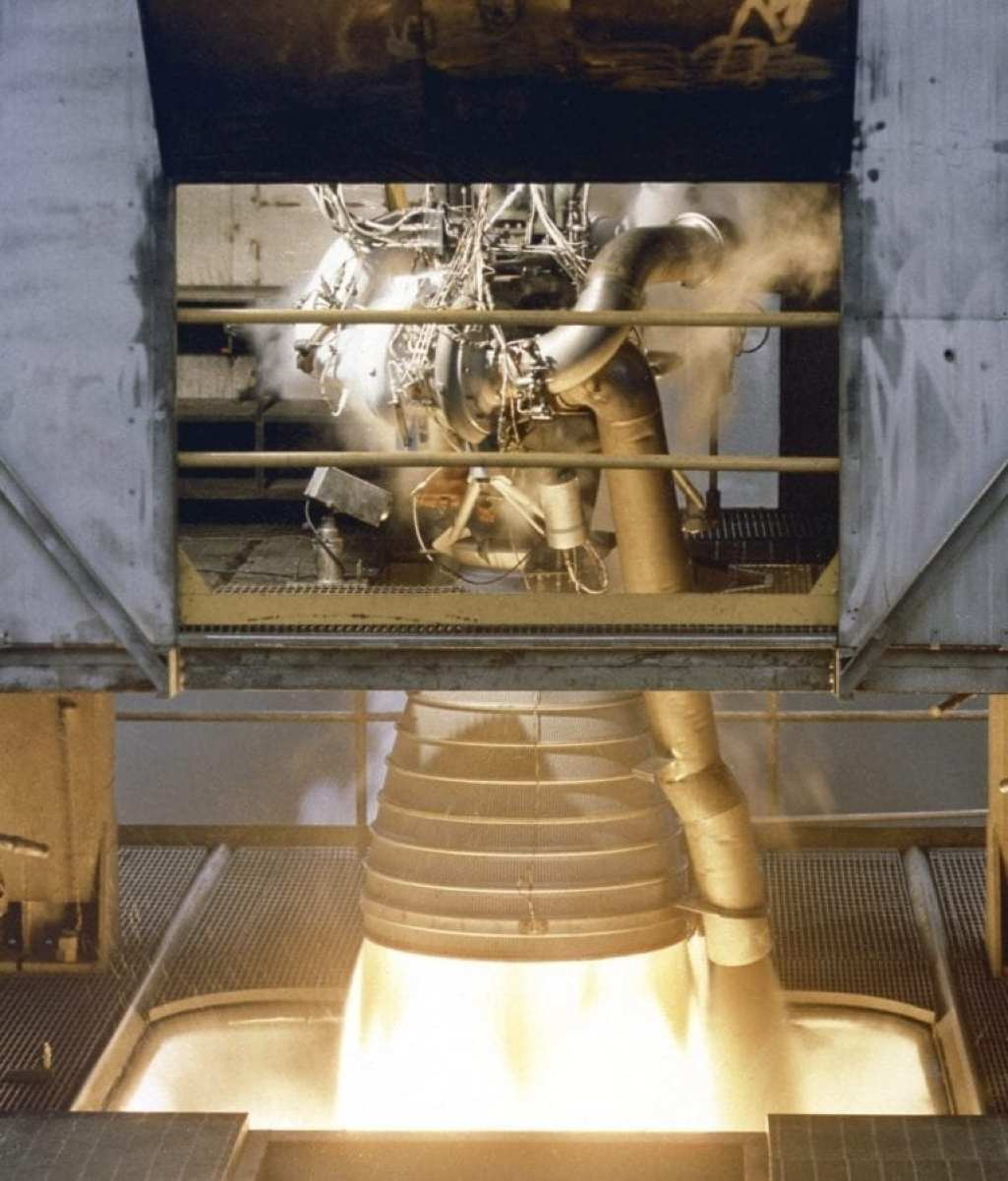 Designed and developed by Rocketdye under the direction of the Marshall Space Flight Center, the engine measured 19-feet tall by 12.5 feet at the nozzle exit, and each engine produced a 1,500,000-pound thrust using liquid oxygen and kerosene as the propellant. A cluster of five F-1 engines was mounted on the Saturn V S-IC (first) stage and burned 15 tons of liquid oxygen and kerosene each second to produce 7,500,000 pounds of thrust.