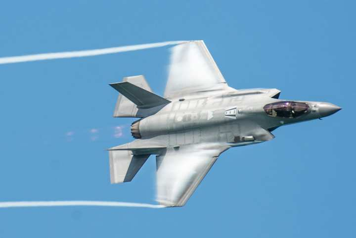 The Defense Department finalized an agreement to purchase 478 additional F-35 Lightning II airplanes in a deal totaling $34 billion, officials said.