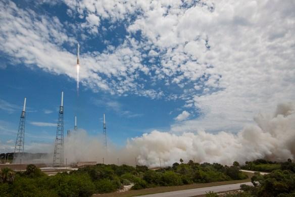 Atlas V satellite launch