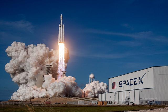 spacex falcon heavy tesla roadster launch