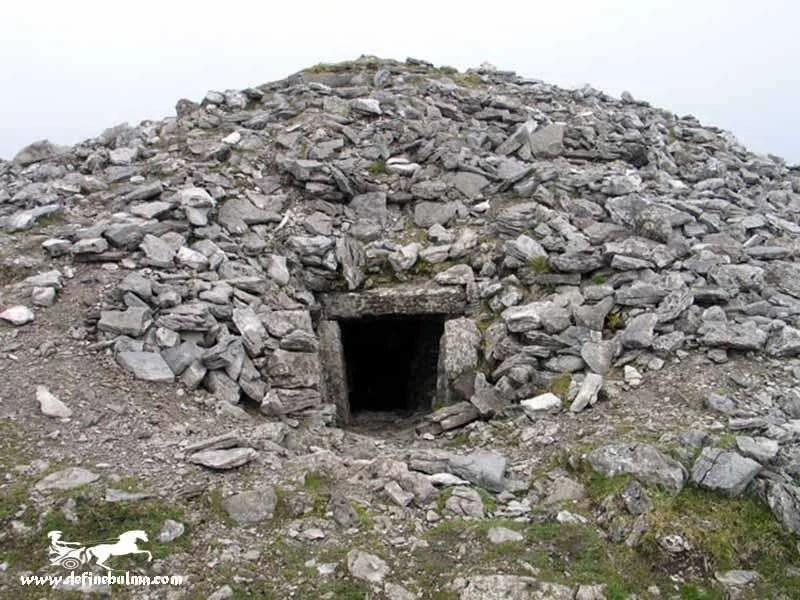Taş Yığma Mezarlar | Define Bulma