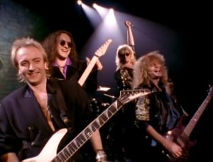 Def-Leppard-Make-Love-Like-A-Man-music-video