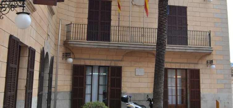 Condemnen a l'Ajuntament de Son Servera a abonar a la família d'un policia local mort el complement per festius