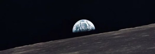 Apollo_10_earthrise