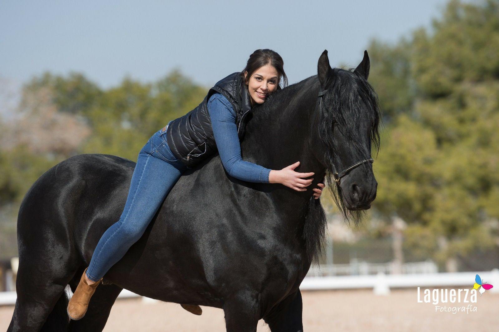 Rutas-y-paseos-a-caballo-para-parejas