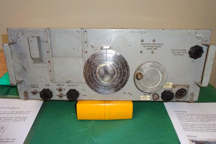 DEHS Burns Spring Lecture 2019 equipment display: R1619 RAF WW2 1.25 - 5GHz intercept Rx (Chris Cooper). Photo by Dick Green.
