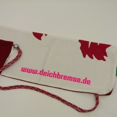 Tragetasche Dunkelrot/Weiß mit Blattmuster