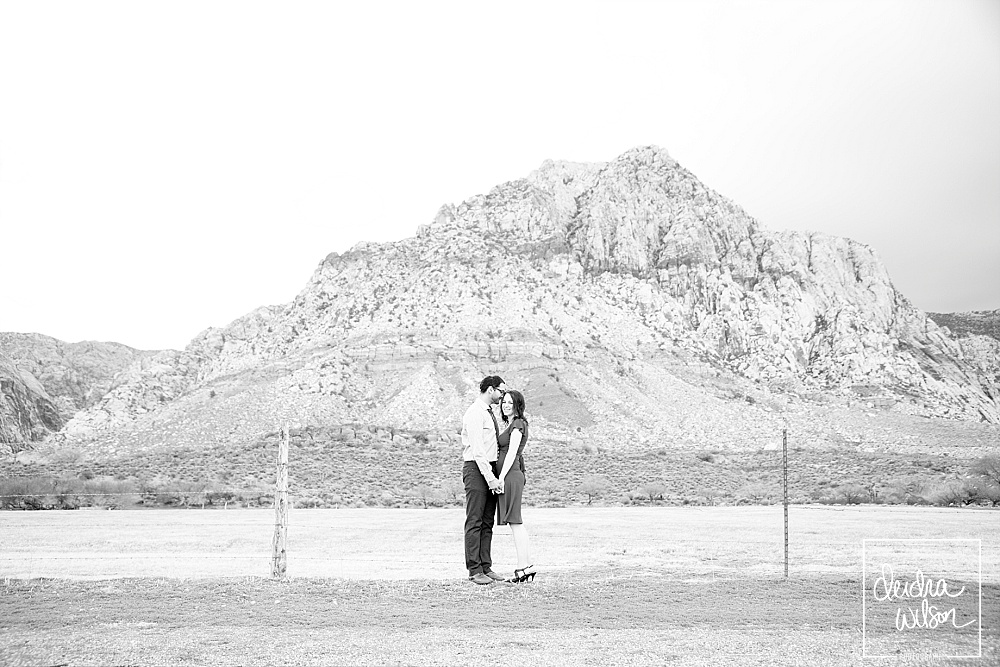 Las-Vegas-Engagement-Session-Red-Rock-09