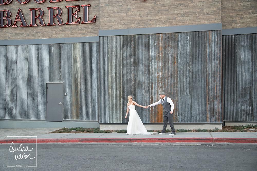 Las-Vegas-Wedding-Neon-Museum-11