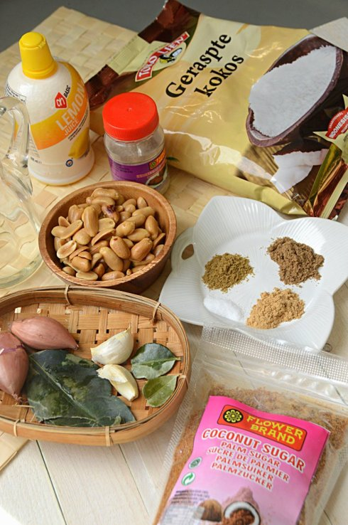 ingrediënten seroendeng