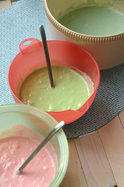 voorbereiding- kue- pelangi- regenboogcake