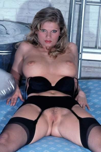 sexy-schwarze-dessous-025