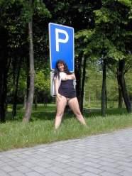 versaut-auf-dem-parkplatz-22
