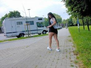 versaut-auf-dem-parkplatz-26