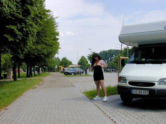 versaut-auf-dem-parkplatz-29