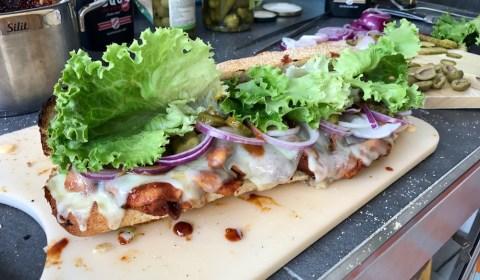 fertig belegtes Chicken Teriyaki Sandwich