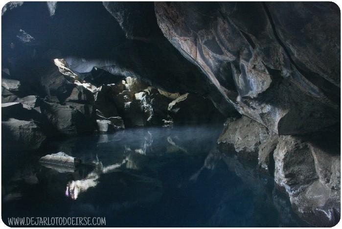 cueva jon nieve igrytte islandia