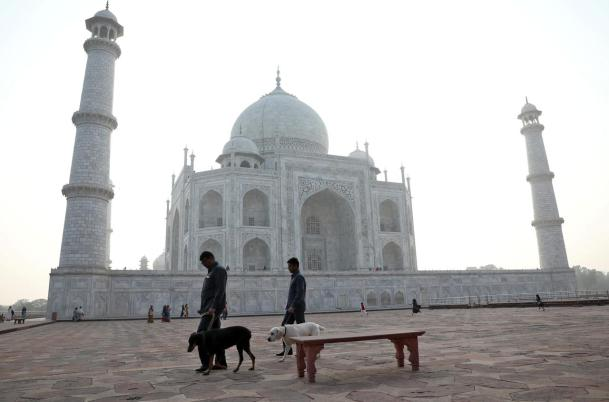 India's Taj Mahal closed: Mumbai orders offices to keep half of workers at home