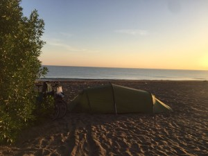camping-spot-on-the-beach