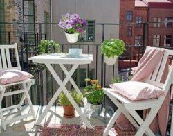 2014-kucuk-balkon-mobilyalari