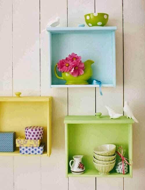 Mutfağınızı Renklendirecek Dekoratif Raflar Dekordiyon