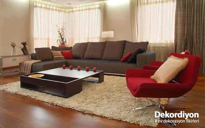 Ev genelinde kahverengi mobilya seçimi