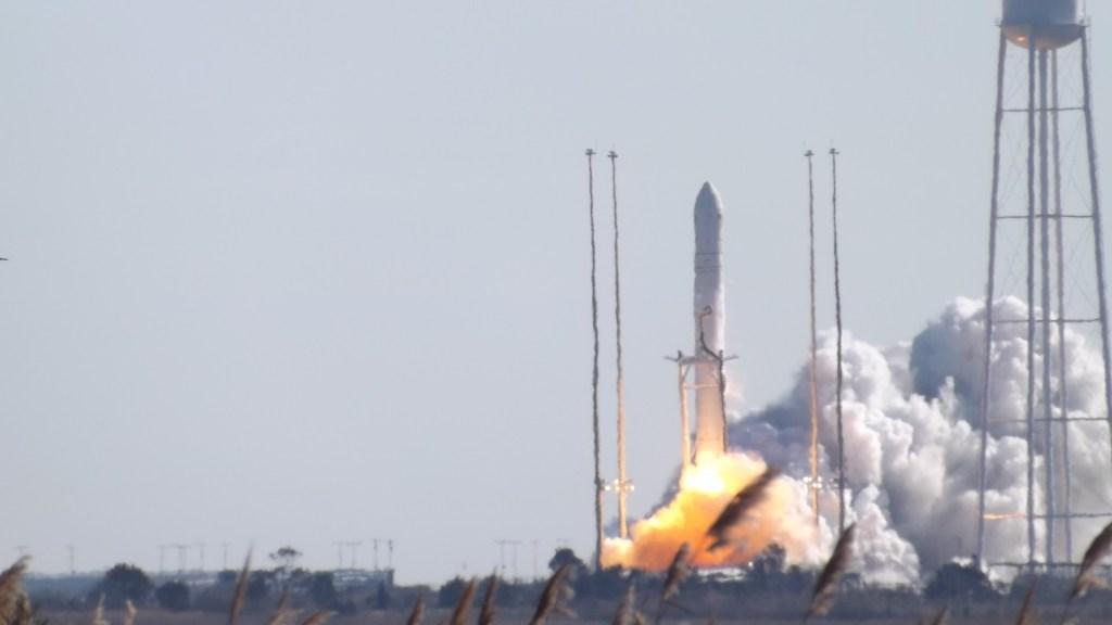 Antares ORB-1, rocket launch, NASA, Orbital, wallops flight facility, cygnus,