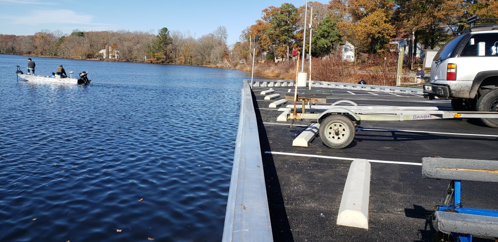 millsboro pond, boat ramp, parking lot, delaware, sussex county, state boat ramp, freshwater fishing