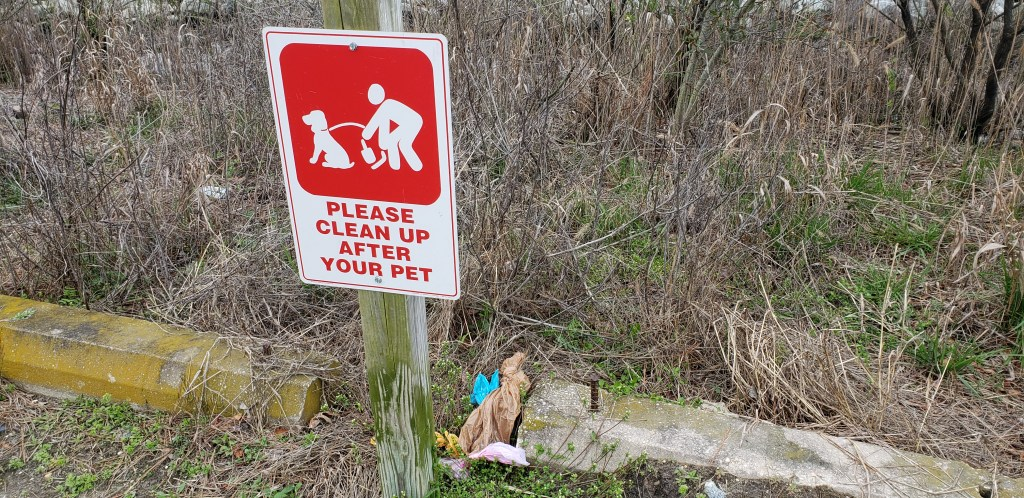 do waste bags, littering, clean up after your pets, assawoman wildlife area