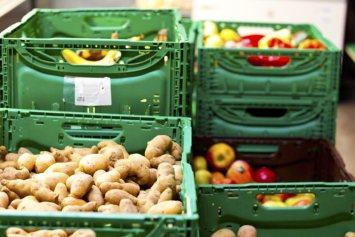 Eine riesige Auswahl an Grundnahrungsmitteln für Menschen mit wenig Einkommen.