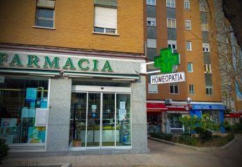 DEL CINE AL HOSPITAL La homeopatía o como estafar legalmente.