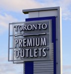 Toronto Premium Outlets Opens in Halton Hills