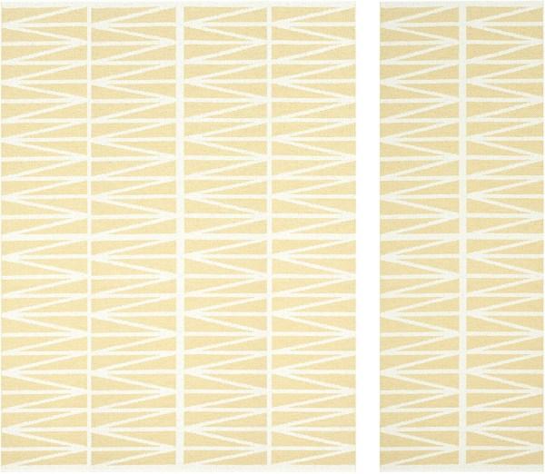 Alfombra de plástico Helmi color pale yellow de Brita Sweden