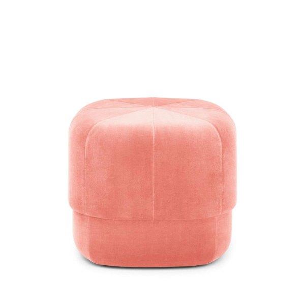 Pouf Circus en terciopelo rosa nude de la firma Normann Copenhagen