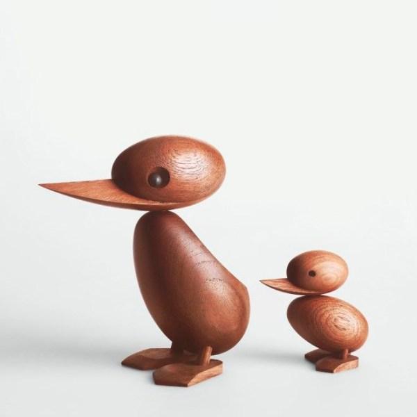 Pato de madera diseñado por Hans Bolling y reeditado por la firma danesa Architectmade