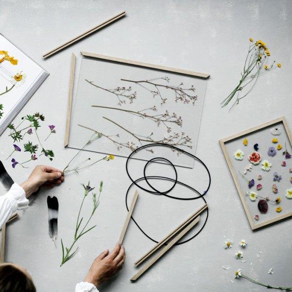 Enmarcación de flores en Frame, marco de roble de Moebe
