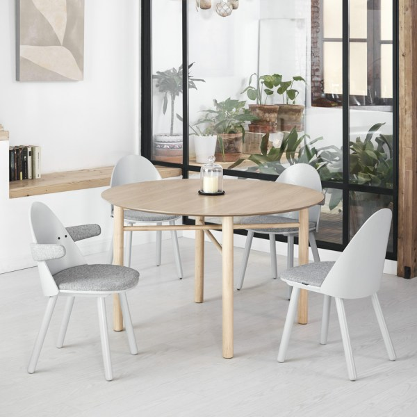 mesa de comedor redonda de madera