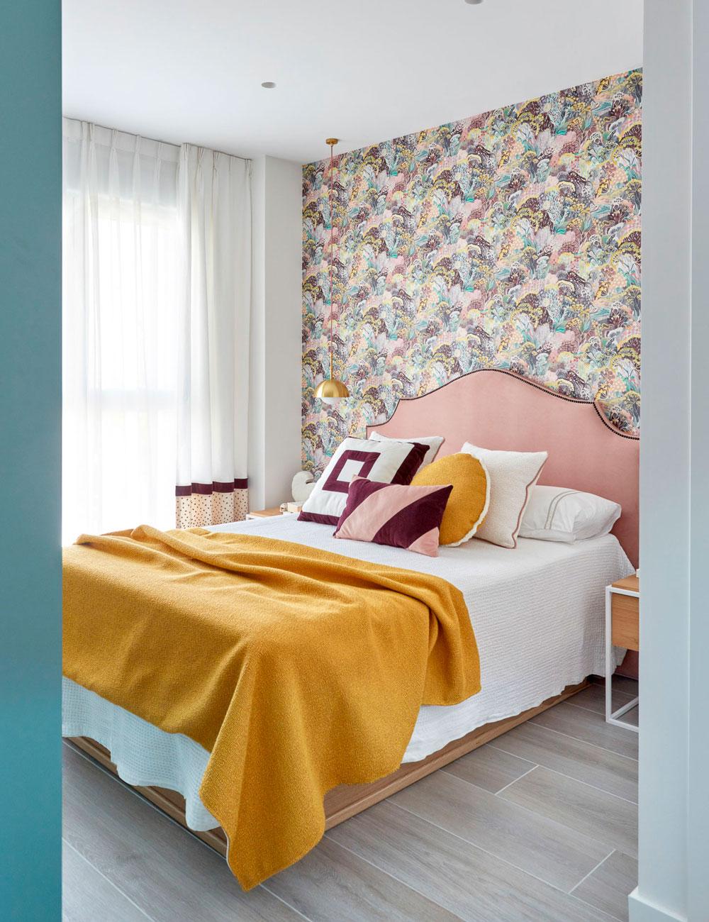 Decoración dormitorio principal con vestidor a medida