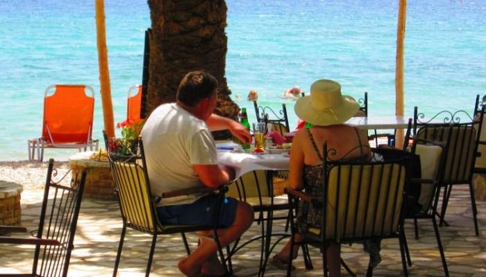 delfini restaurant in nidri
