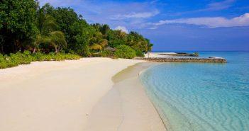 Top 10 cărți care ne poartă în locuri exotice