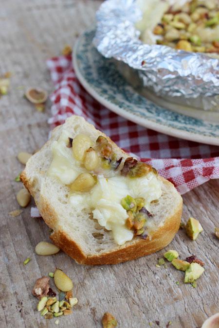 camembert-miel-pistaches-pignons