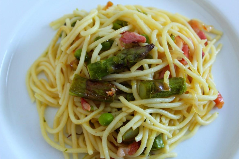 Poêlée de Spaghettis aux Asperges Vertes, Petits Pois et Lardons