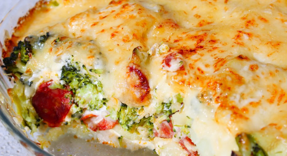 Délicimô ! - Recette du Gratin de Pommes de Terre et Brocoli au Chorizo - www.delicimo.fr