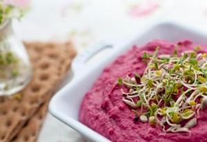 Hummus roz – cu sfecla si vlastari