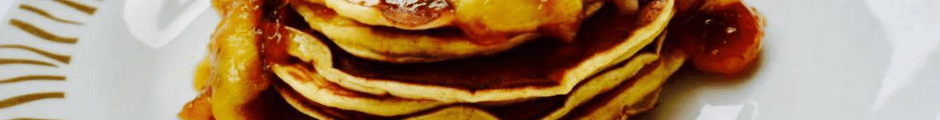 Pancakes me banane te karamelizuara