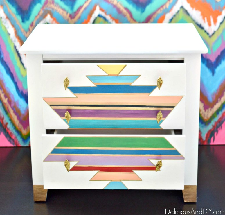 Create a stunning Southwestern Table Makeover| Use masking tape to create a gorgeous design on you table|Painted Furniture| Home Decor| Nightstand Makeover Ideas| Colorful Home Decor| Spray Painted Furniture