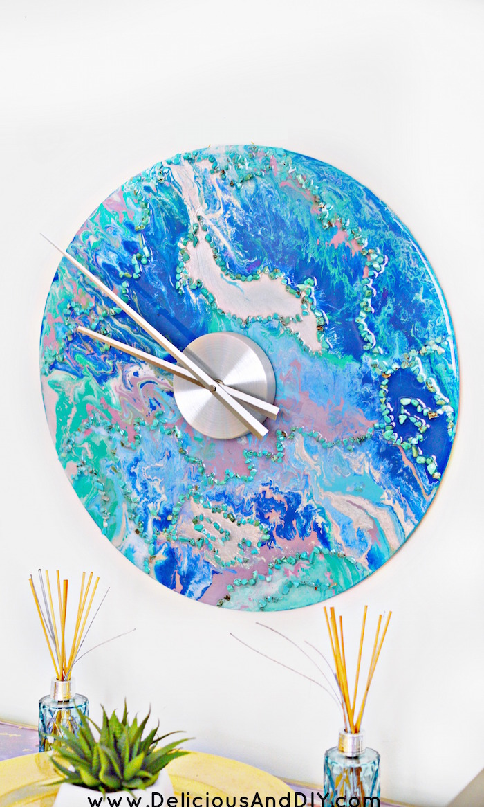 This beautiful DIY Marbled Wall clock is a beautiful statement piece and is a lot of fun to make as well with multiple paints colors and Resin| Wall Clock Ideas| Home Decor Ideas| Painted Wall Clock| DIY Wall Clock| Handmade Wall Clock| Resin Marbled Wall Clock| DIY Crafts| Wall Clock Ideas