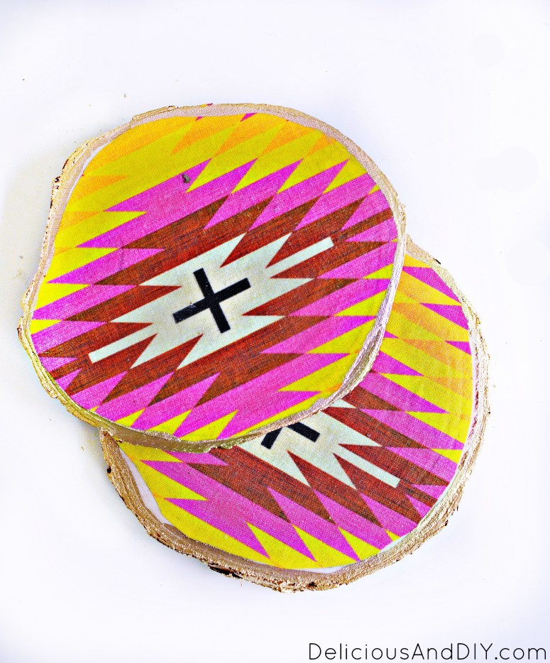 Learn how to create these decoupage wood coasters with some leftover fabric on wood slice coasters| DIY Southwesten Style Wood Coasters| Decoupage Coaster Ideas| Easy Crafts to do in under 15 minutes| Wood Slice Circular Coasters| DIY Handmade Craft Projects